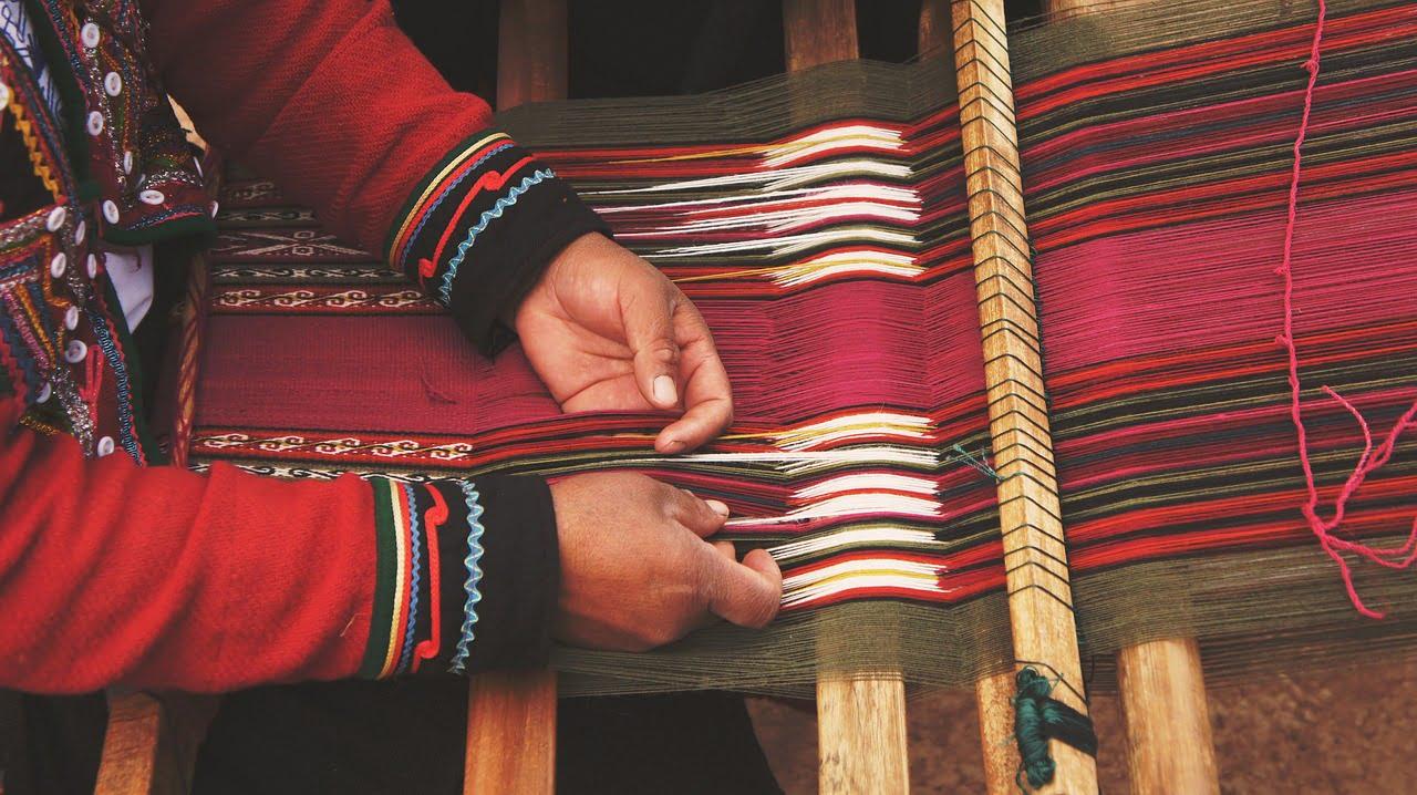 Sensational Weaving Looms For Beginners The Beginning Artist Interior Design Ideas Oxytryabchikinfo