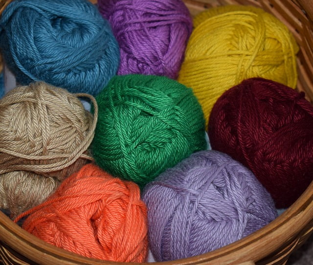 How To Choose The Best Yarn For Weaving?
