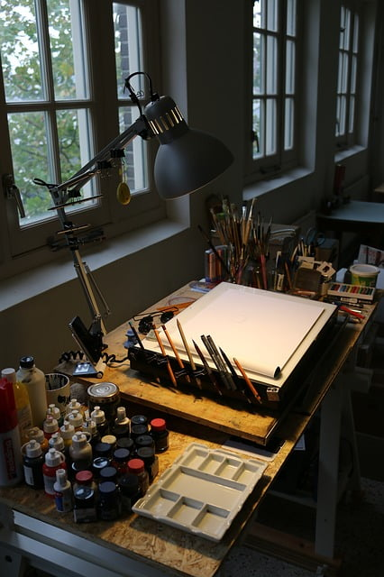 Top 5 Best Desks For Artists In 2021: Simple Buying Guide