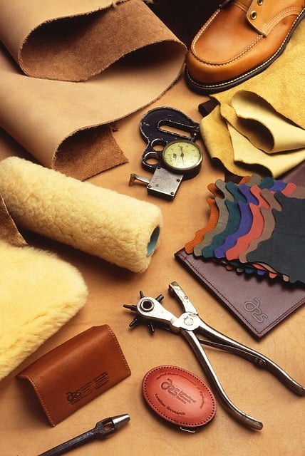 Best Leather Working Tools & Kits For Beginners